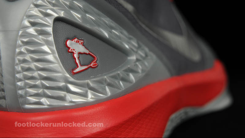Nike Zoom Hyperdunk 2011 Supreme - The Blake Show 9