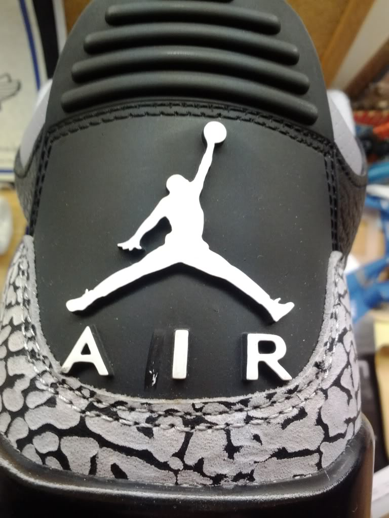 7bb5df38055339 Air Jordan 3  Black Cement  with An Extra  I  Outline