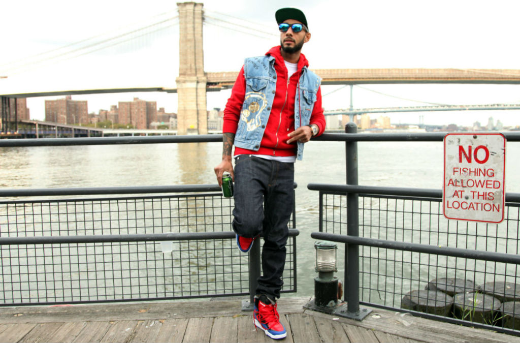 Swizz Beatz wearing Reebok Twilight Zone Pump Spider Man (1)
