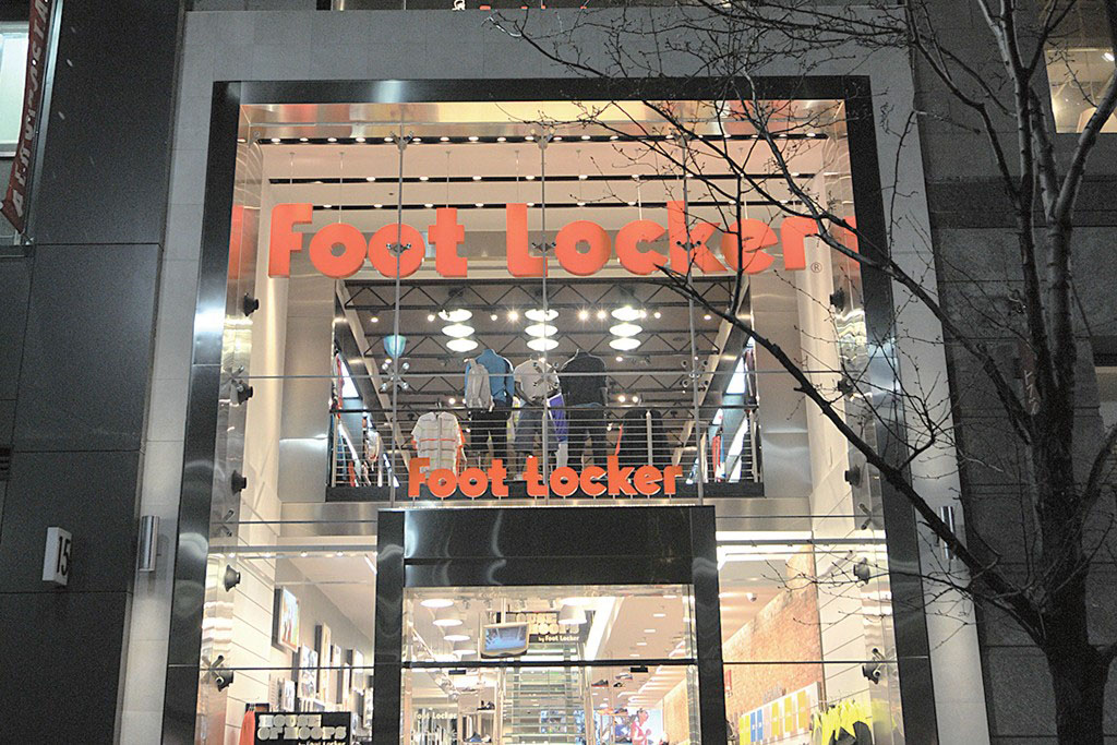 2011: House of Hoops on 34th Street bows with a two-story concept.