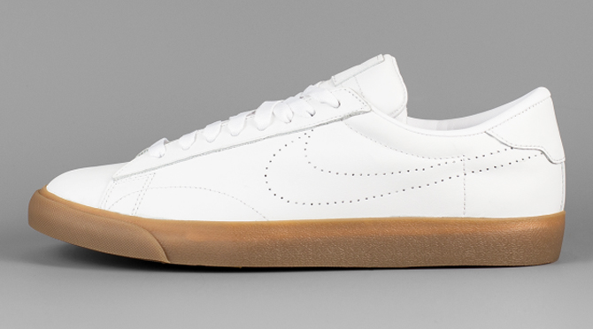 buy popular 683c8 82f63 Nike Tennis Classic White Gum