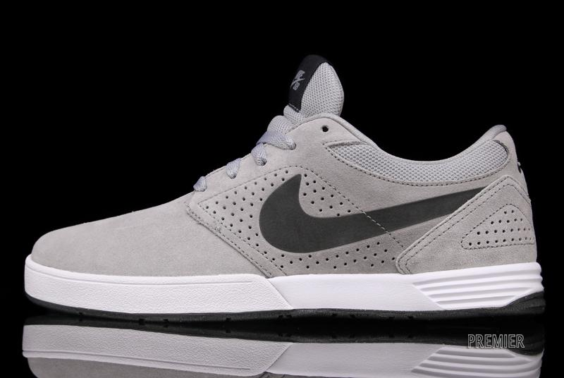 Another March SB offering, Nike releases a new Matte Silver colorway of the Paul  Rodriguez signature model for the spring.