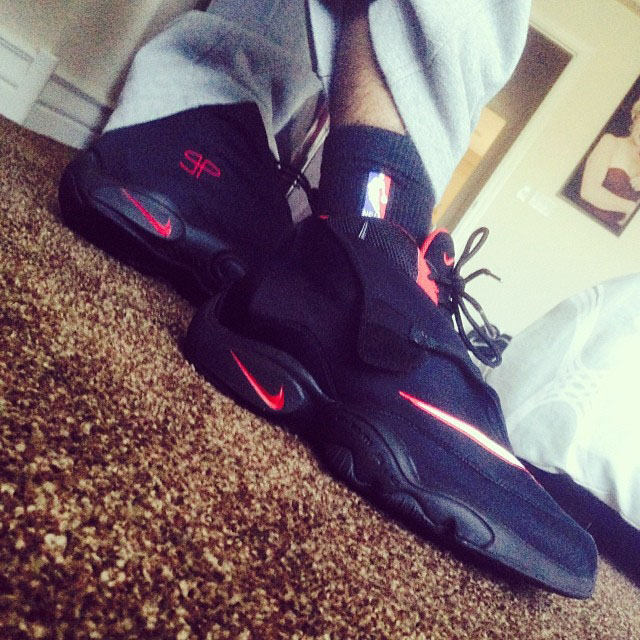 get new unique design top quality nike air zoom flight the glove black and white