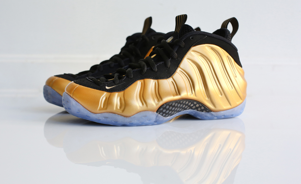 the best attitude a5e55 22c0b Gold covers this upcoming Nike Air Foamposite One.