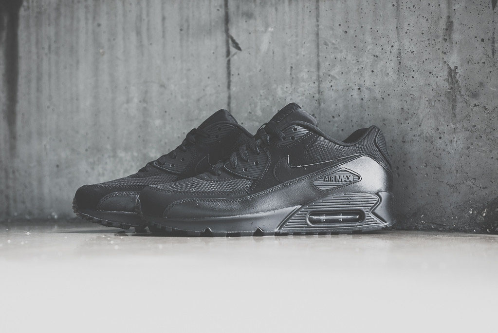 buy popular 023c8 40ac7 Nike Air Max 90 Essential - 'Triple Black' | Sole Collector