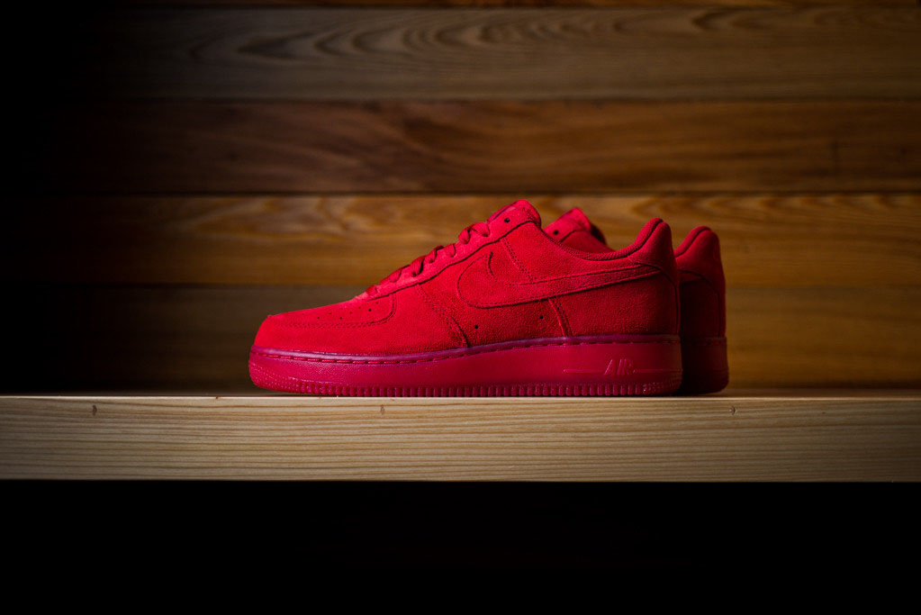 red nike air force 1 suede