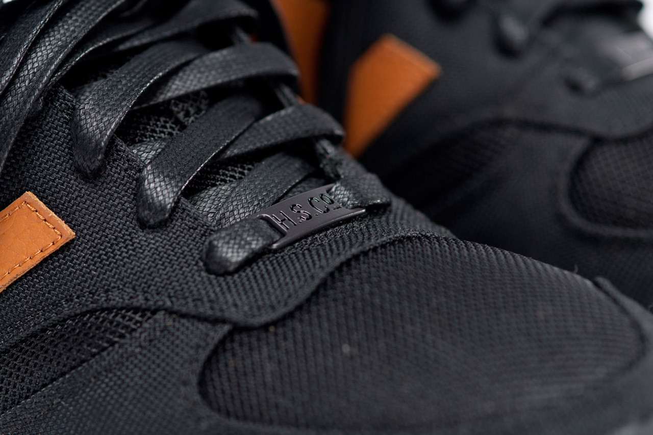 new balance x herschel 420 black