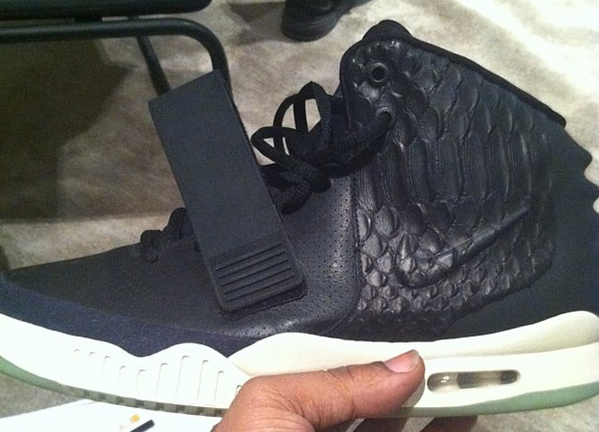 online store d6c63 73d8a Kanye West Nike Air Yeezy 2 Black Leather Sample