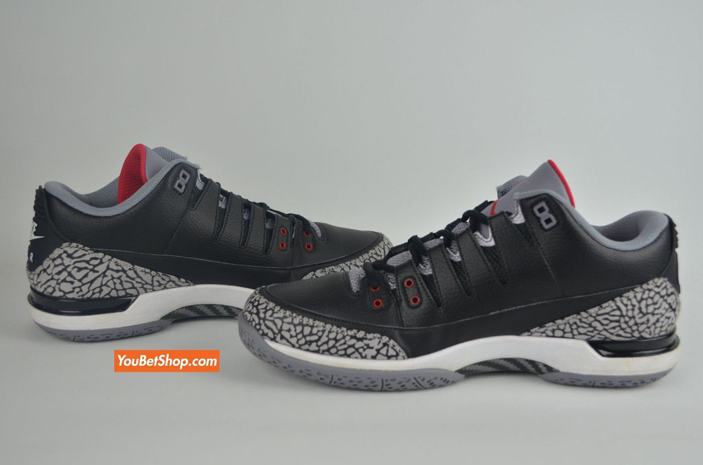 e390a6744e22 Roger Federer s Nike Zoom Vapor AJ 3 PE Is a Little Different