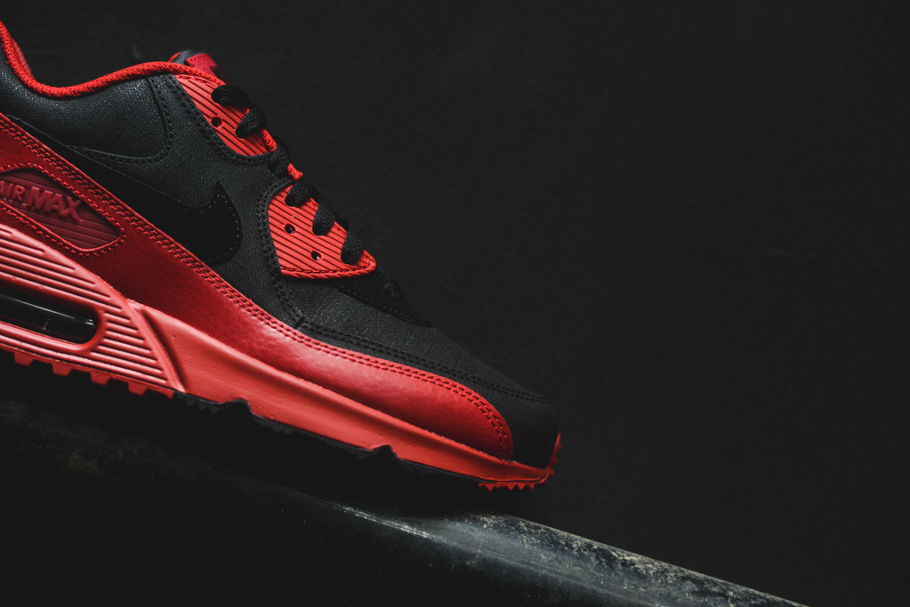 info for 8a320 2dc6c Nike Air Max 90 Winter Gym Red Black (6)