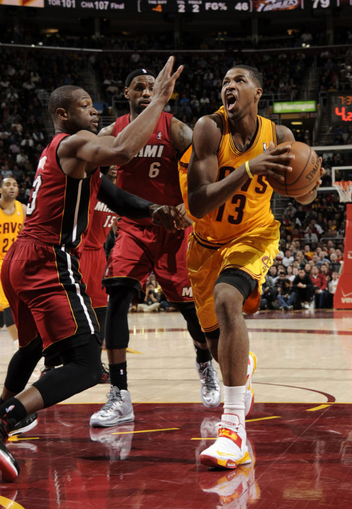 Tristan Thompson wearing Nike Zoom Soldier VI; LeBron James wearing Nike LeBron X Silver PE