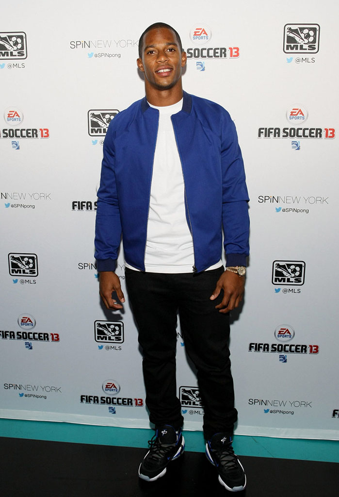 Victor Cruz wearing Nike Air Penny V Orlando Magic (5)