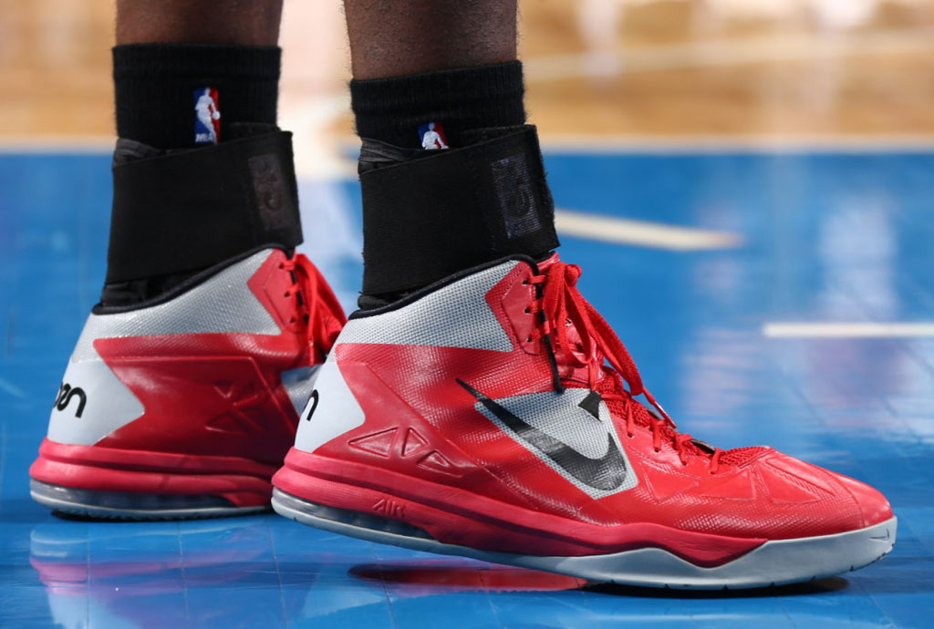 Greg Oden wearing Nike Air Max Body U PE