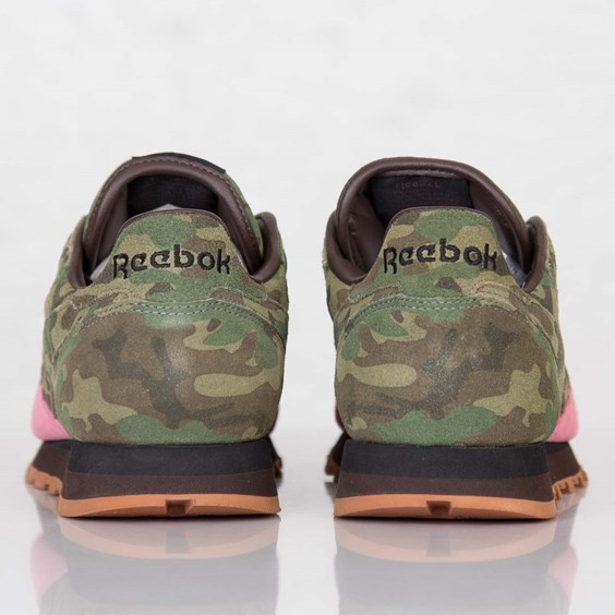 Shoe Gallery x Reebok Classic Leather Flamingos at War camo heel
