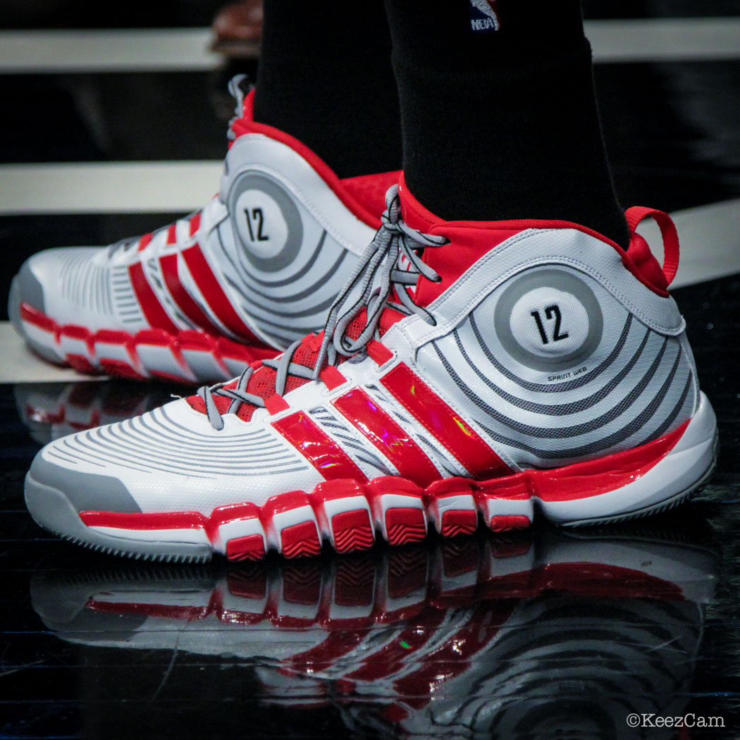 Dwight Howard wearing adidas D Howard 4 PE (2)