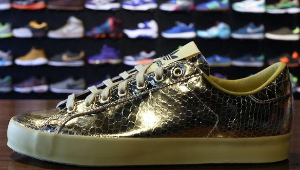 adidas JS Rod Laver Gold/Light Gold
