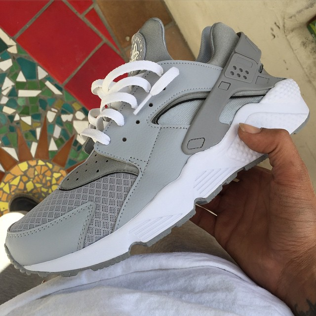 Air Huarache Grey Pink