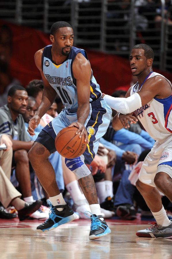 Gilbert Arenas wearing Nike Zoom Huarache Trainer Playstation (1)