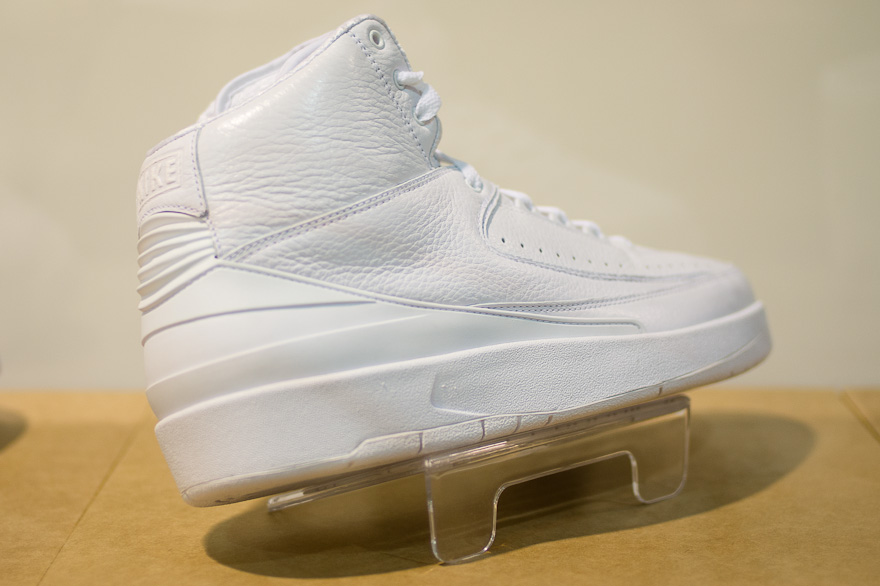 Air Jordan II 2 White Anniversary Sample (2010)