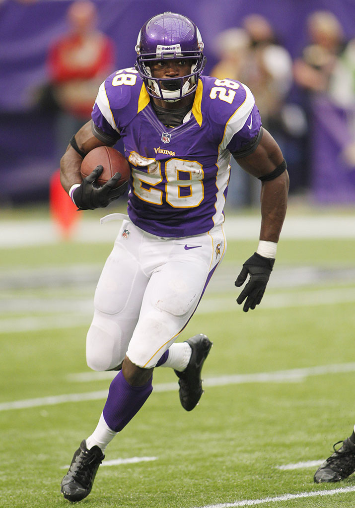 Adrian Peterson Returns to the Field in adidas adiZero 5-Star Mid (1)