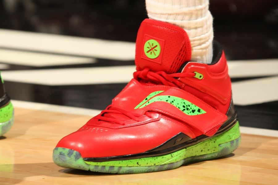 a85731ac1601fc Dwyane Wade wearing Li-Ning Way of Wade 808 Christmas PE