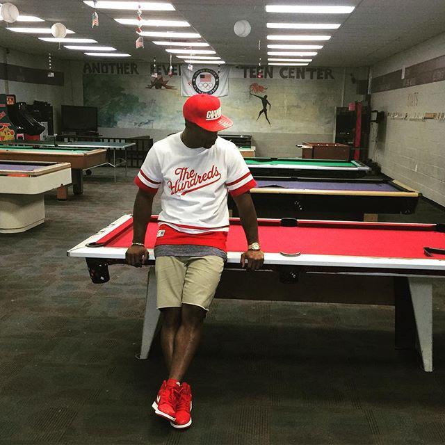 9c0a830aaef1 Victor Cruz wearing the  Gym Red  Air Jordan 1