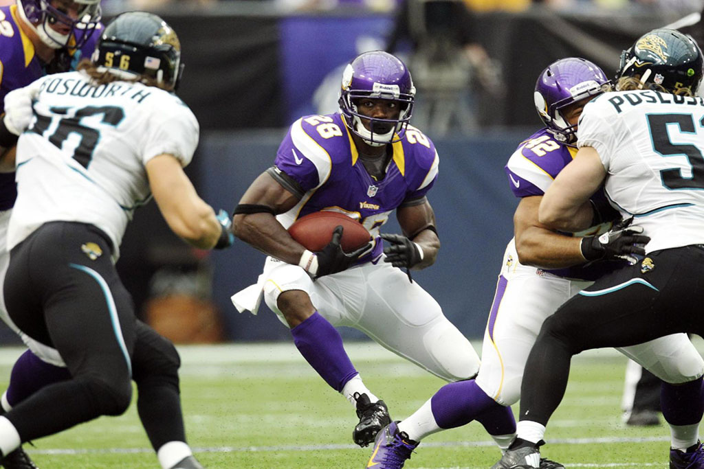 Adrian Peterson Returns to the Field in adidas adiZero 5-Star Mid (2)