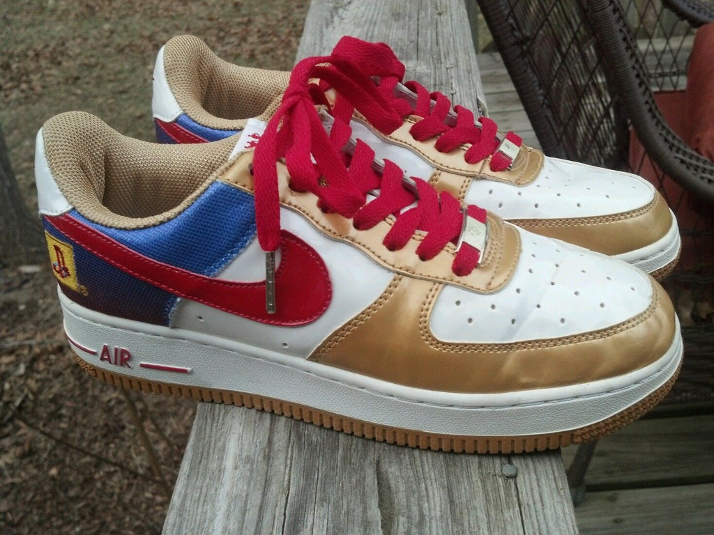 e377aa10eea The 10 Worst Fake Sneakers on eBay Right Now | Sole Collector