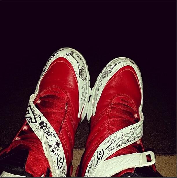 new products bd3f2 1ab4c Nike Zoom Vick III
