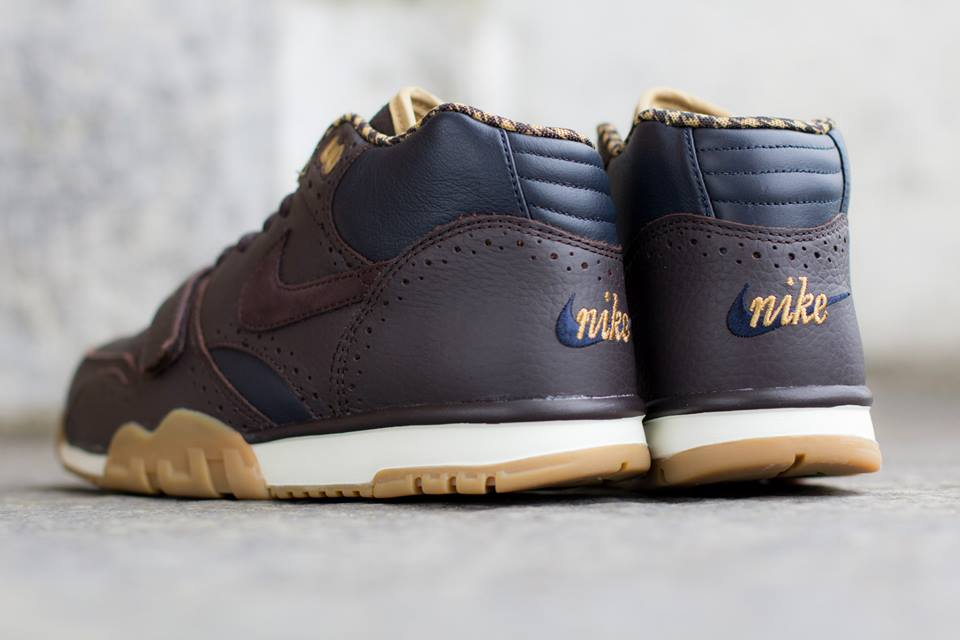 Nike Air Trainer 1 Mid Premium QS Brogue heel detail