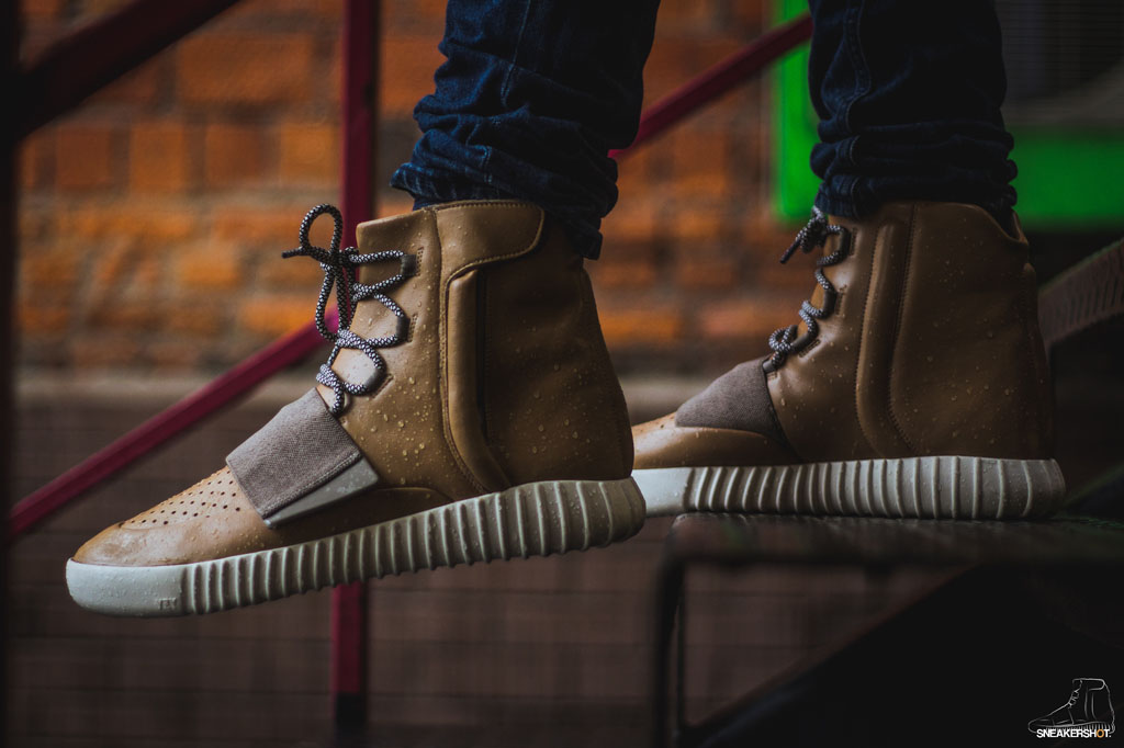 bb94430a9f592 What the adidas Yeezy 750 Boost Looks Like in  Tan