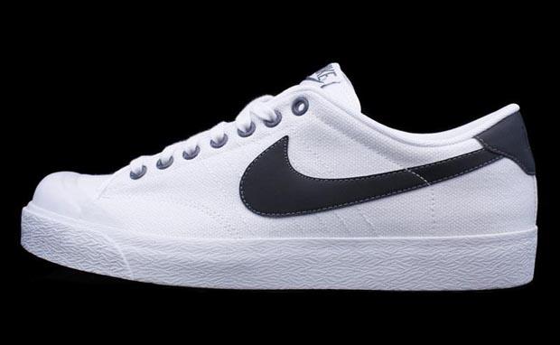 Vintage Nike Canvas Tennis Shoes
