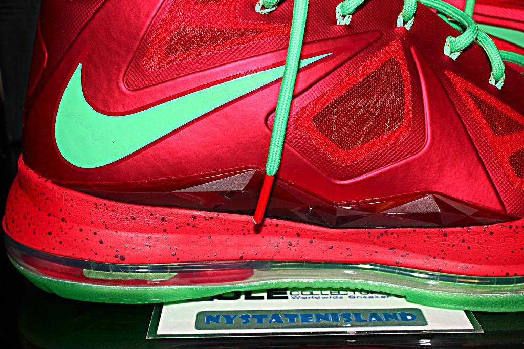 wholesale dealer 5f83e e2fc7 Nike LeBron X - Christmas - Detailed Look