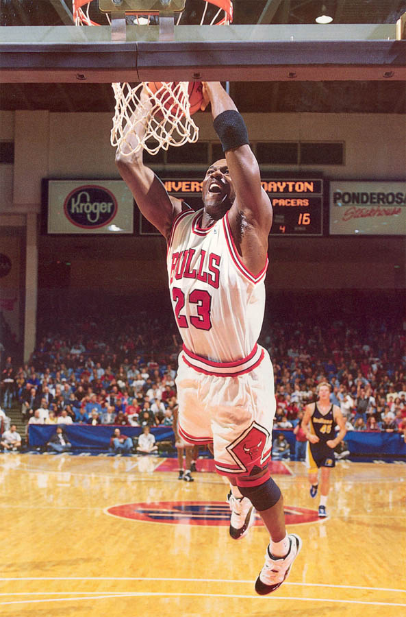 Michael Jordan wearing Air Jordan XI 11 Concord (31)