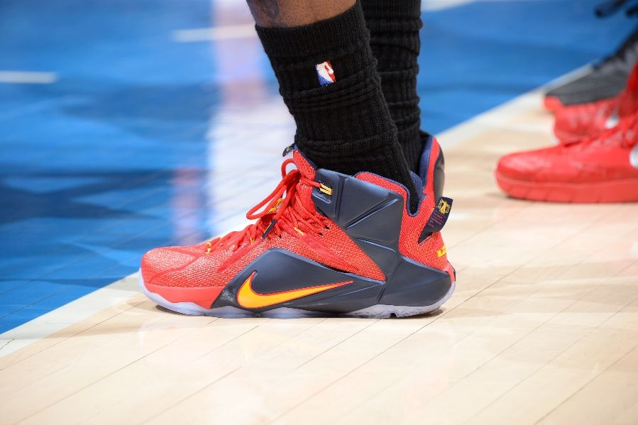LeBron James wearing Nike LeBron XII 12 Red/Blue-Yellow PE on January 16, 2015
