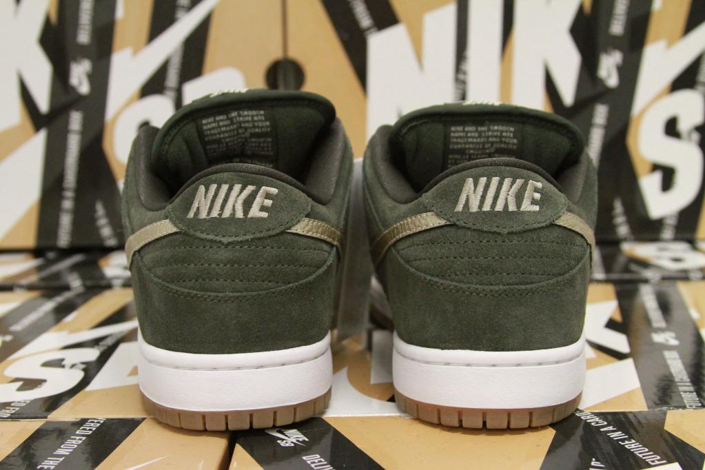 outlet store 8c4b5 6cf99 Nike SB Dunk Low - Sequoia Metallic Zinc