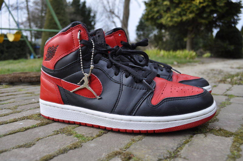 Pickups of the Week // 4.7.13 - Air Jordan Retro 1 Black/Red 2001 by EduardKJ