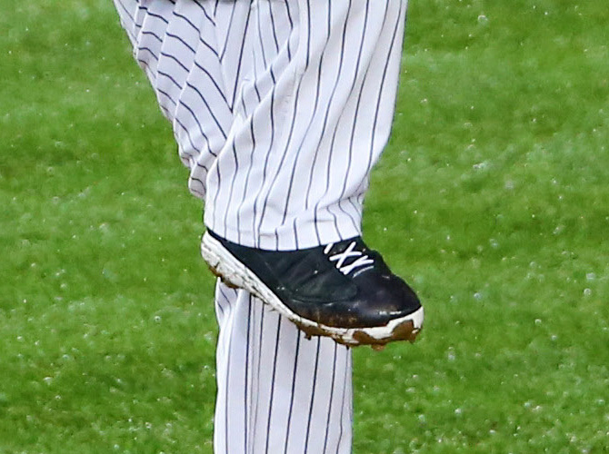 CC Sabathia Air Jordan 13 PE Cleats (3)