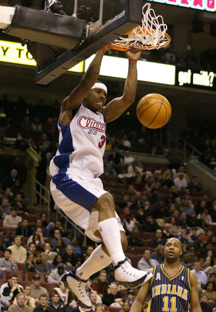 Quentin Richardson wearing Air Jordan IX 9 Los Angeles Clippers Home Pearl PE