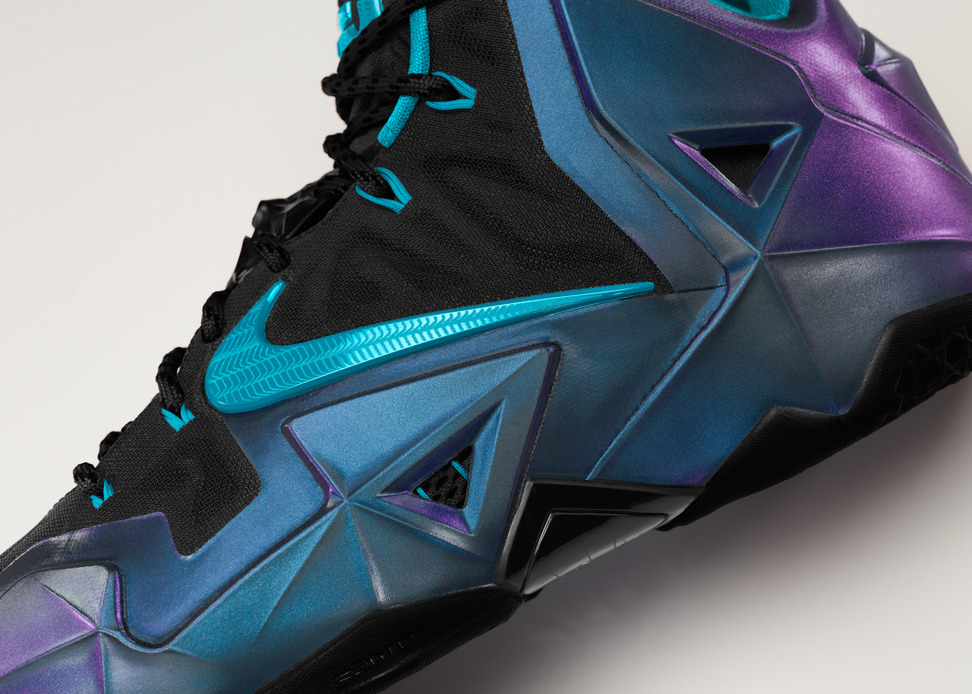 Nike LeBron 11 iD Preview chroma color shift