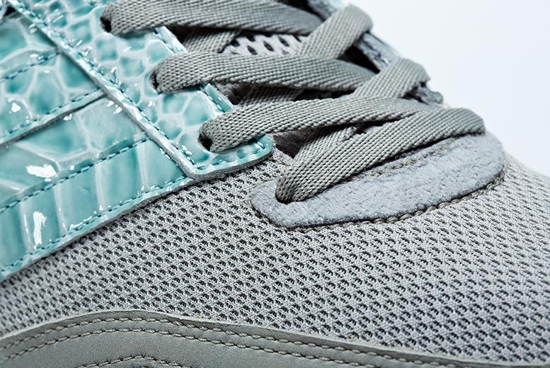 classic fit b495f 53af8 adidas consortium adizero adios 2 blue snakeskin detail