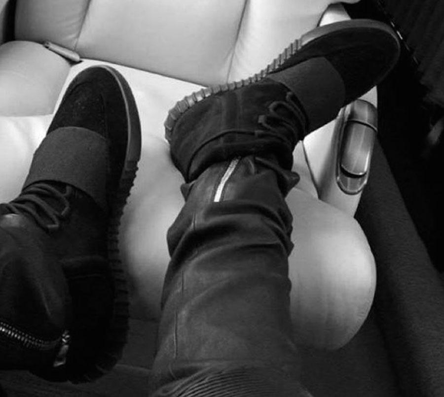 Yeezy 750 Black