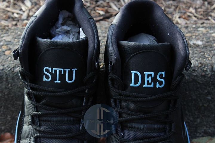 2ce2a301dd2f41 ... UNC s game against UCLA last weekend. Photos from the game reveal that  James did indeed lace his up