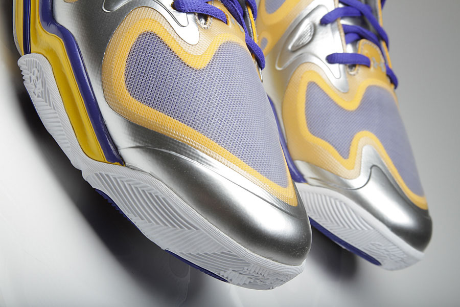 Under Armour Anatomix Spawn Stephen Curry Silver PE (3)