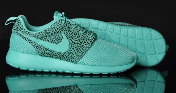Nike Roshe Run Safari Pack