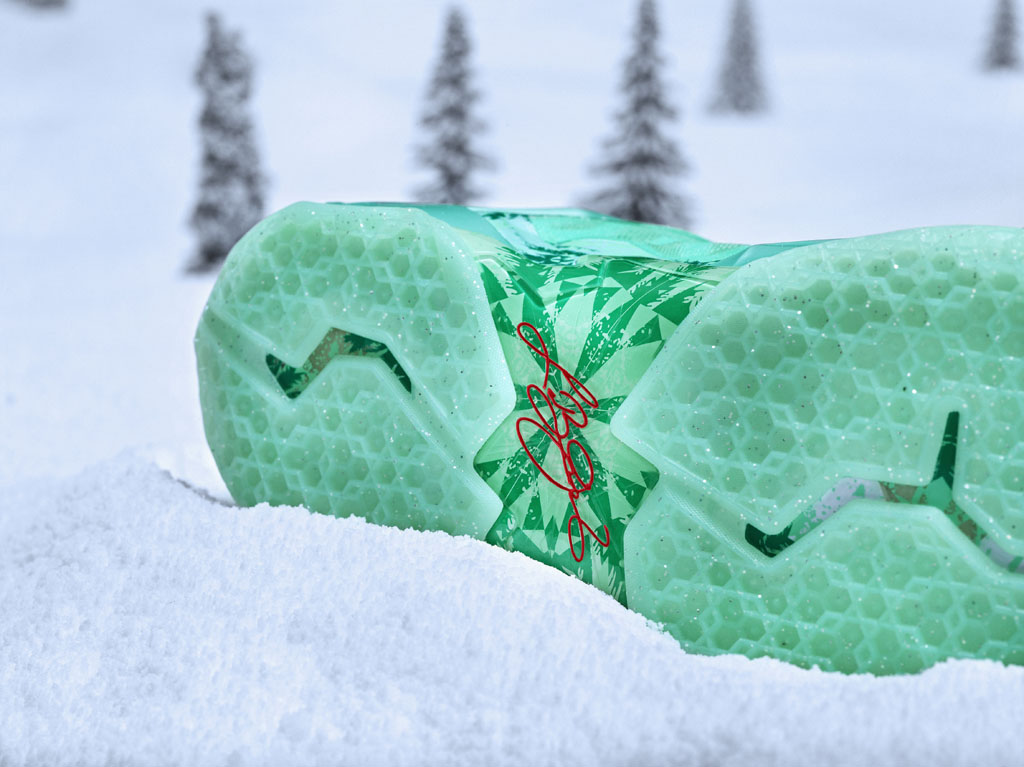 Nike Basketball 2013 Christmas Pack // LeBron 11 (3)