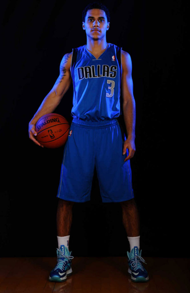 Shane Larkin wearing Nike LeBron X Blue Diamond