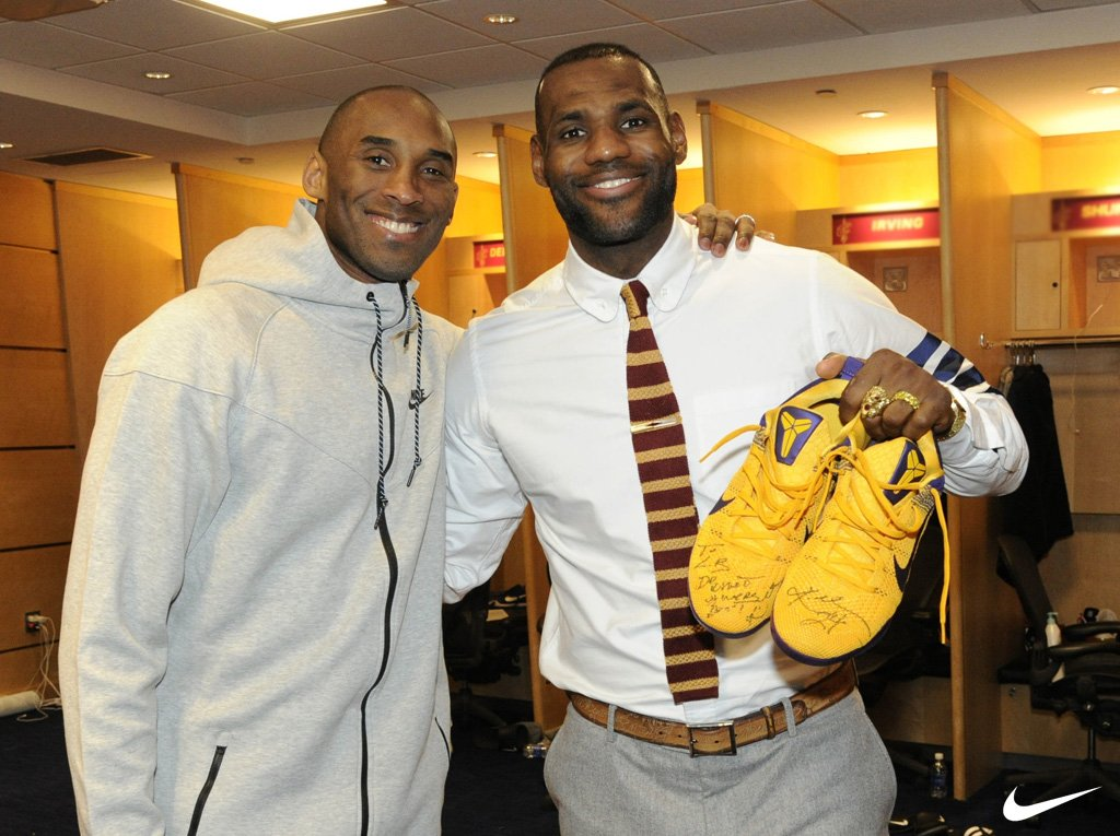 Kobe Gives LeBron Signed Sneakers (3)