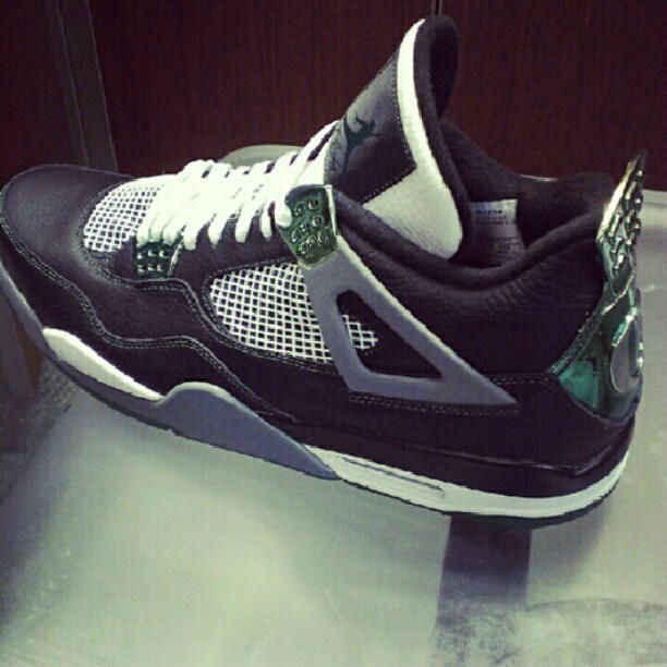 Air Jordan IV 4 Oregon Ducks (2)