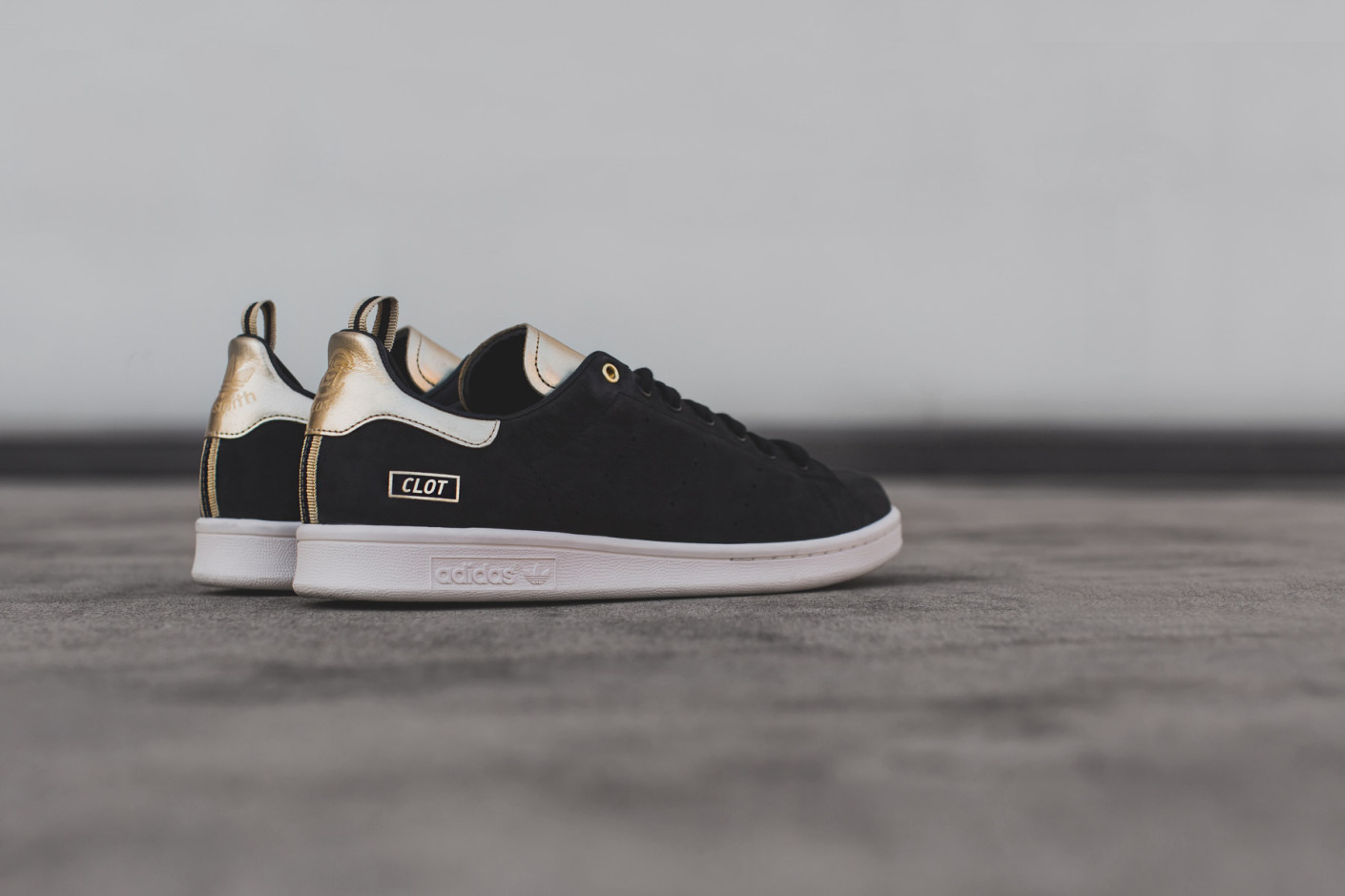 Adidas Stan Smith Update - Black / White